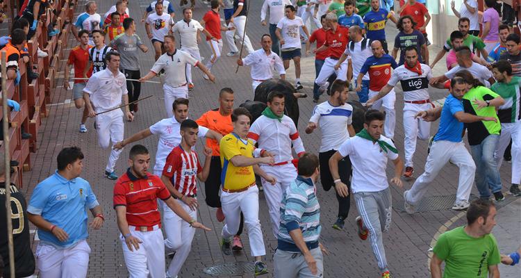 Tercer encierro en Sanse con r�cord hist�rico, 4.000 participantes