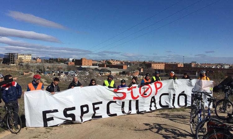 """Fracaso de la manifestación contra la """"Operación Chamartín"""" convocada por asociaciones vecinales y ecologistas"""