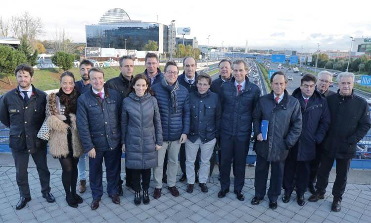Ignacio García de Vinuesa con alcaldes y portavoces del PP se concentran ante los atascos en la A-1