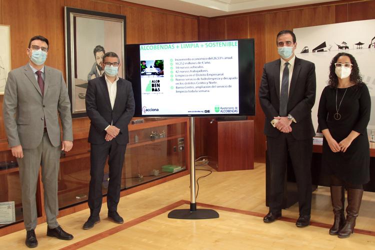 El Ayuntamiento de Alcobendas aumenta a 10,2 millones de euros la inversión anual para la limpeza de la ciudad