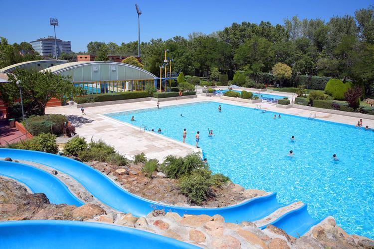 El 5 de junio abren las piscinas de verano del Polideportivo Municipal José Caballero de Alcobendas