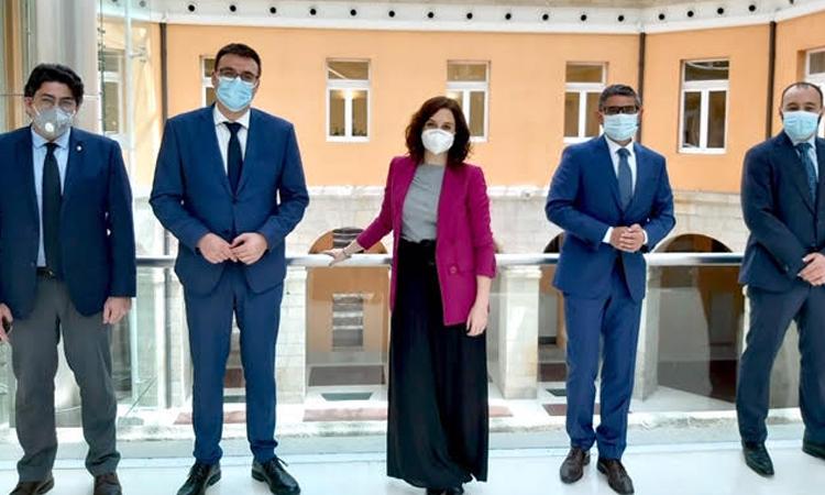 Reunión a tres, Presidenta de la Comunidad de Madrid, Alcalde y Vicealcalde de Alcobendas para abordar la reactivación de Alcobendas