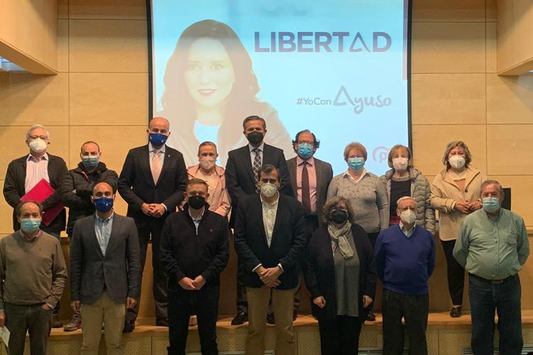 Candidatos de la lista del PP de Madrid se reúnen con las Casas Regionales de Alcobendas para mostrarles su apoyo