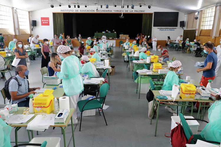 La Comunidad de Madrid ha realizado hoy con normalidad cerca de 12.000 pruebas de COVID-19 hasta las 13 horas al personal de los centros docentes