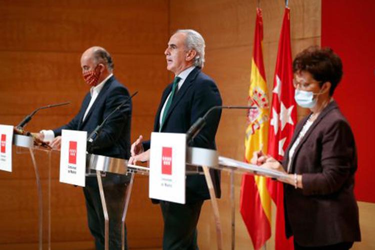 La Comunidad de Madrid paralizará la actividad a partir de mañana de 00:00 a 06:00 horas y establece 32 zonas básicas de salud con límites de movilidad