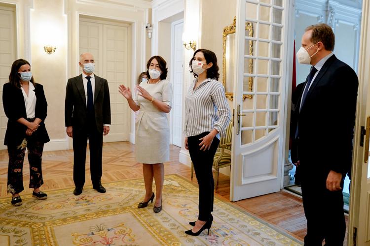 La Magnanimidad que exige Isabel Díaz Ayuso a Pedro Sánchez durante la presentación del libro 'Libertad o Igualdad' de Daniel Lacalle