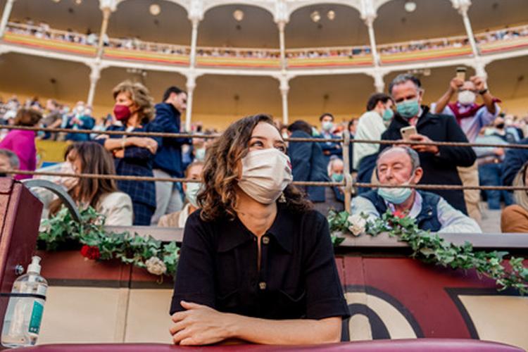 Isabel Díaz Ayuso apoyando la Fiesta de los Toros