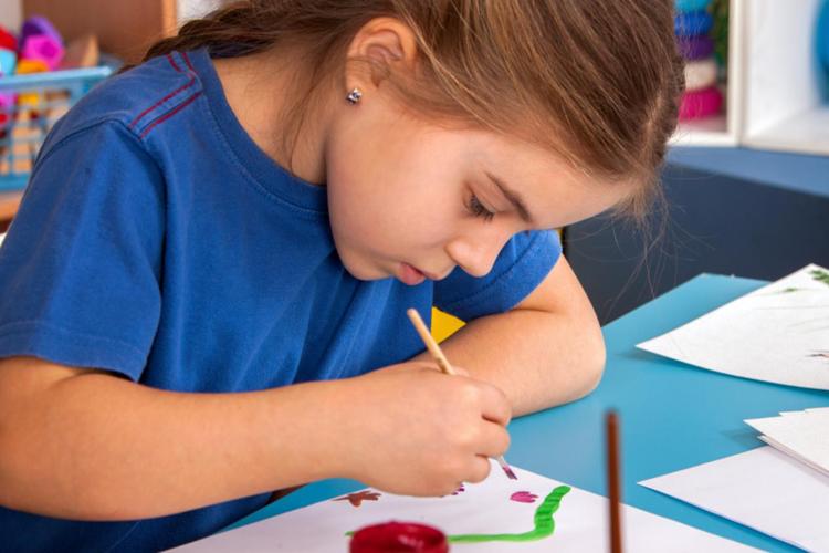 La Comunidad entregará a 650.000 niños un diploma acreditativo de la concesión de la Gran Cruz de la Orden del Dos de Mayo