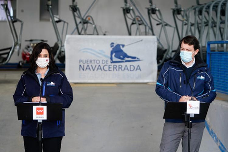 Díaz Ayuso avanza que la Comunidad de Madrid estudia declarar BIC la estación de esquí de Navacerrada para evitar su cierre