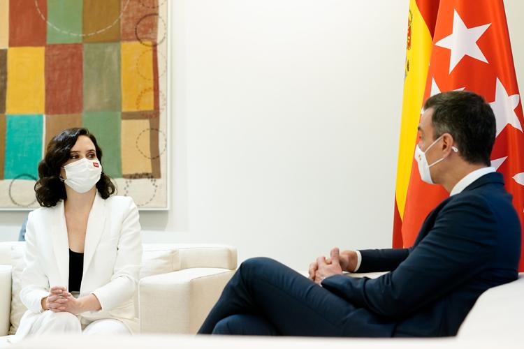 La Presidenta Díaz Ayuso es recibida por el Presidente Sánchez en la Moncloa