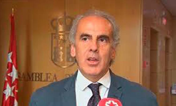 La Comunidad de Madrid propone a Sanidad que los turistas en Barajas reciban un sms con el teléfono al que llamar si presentan síntomas de COVID-19