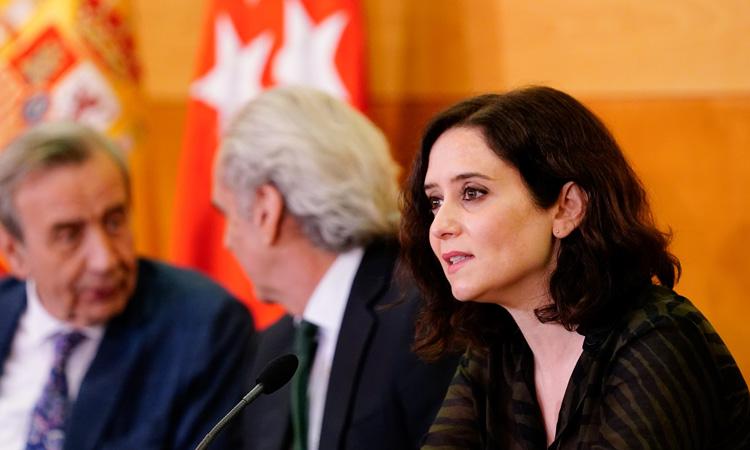 Díaz Ayuso expone a hospitales y sindicatos el Plan Integral de la Sanidad Madrileña para afrontar el Coronavirus