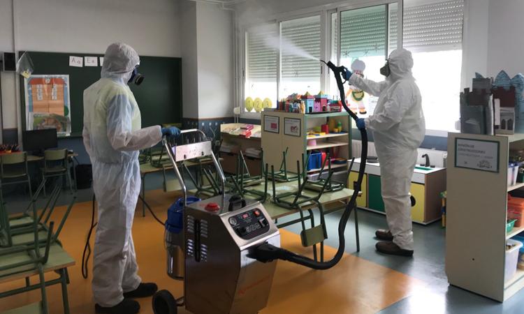 El Ayuntamiento de Alcobendas ha comenzado la desinfección de los colegios públicos