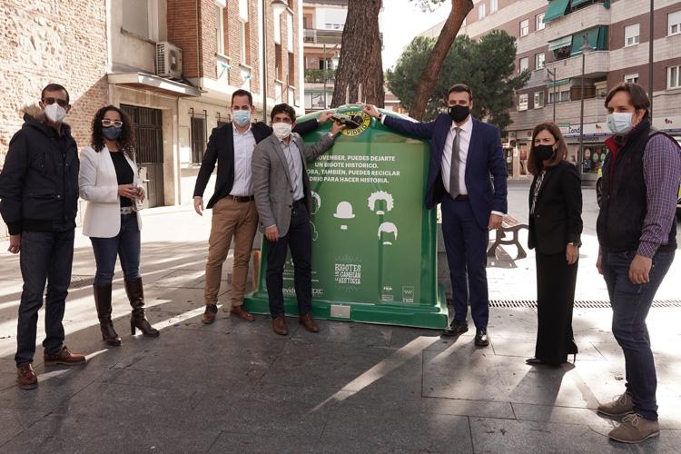 Ecovidrio, Alcobendas y Sanse convierten el vidrio reciclado en euros contra el cáncer