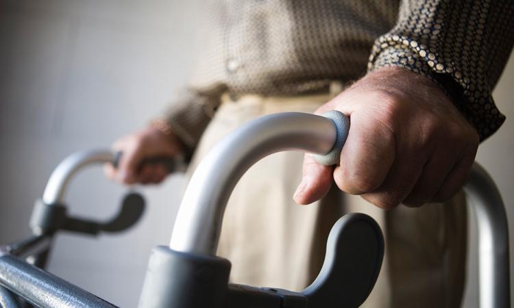 El Ayuntamiento de Alcobendas concede ayudas a cuarenta mayores dependientes