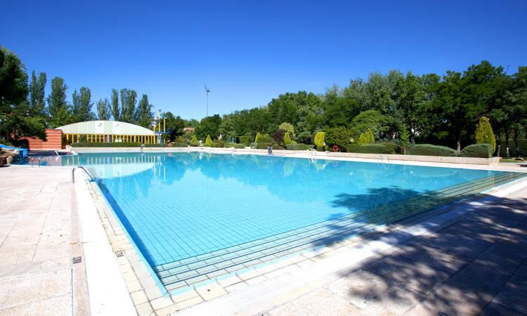 En Alcobendas ya nos es necesario pedir cita previa para la piscina de verano