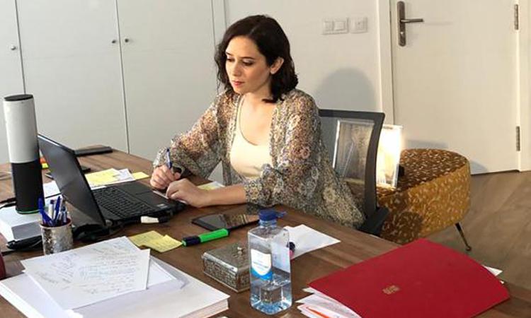Isabel Díaz Ayuso reprende públicamente al Presidente Sánchez por sus críticas a la Comunidad de Madrid