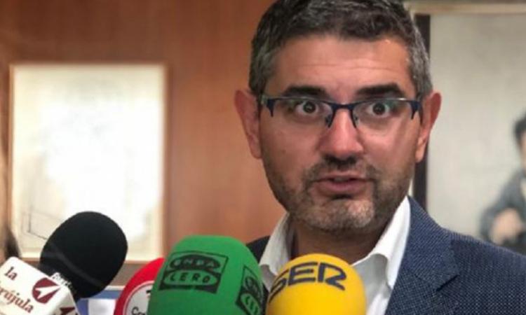 El alcalde, Rafael Sánchez Acera, inicia una ronda de contactos con empresas locales