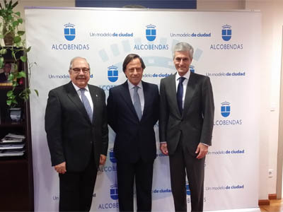 Adolfo Suárez Illana inaugura las Fiestas de la Virgen de la Paz 2016 en Alcobendas