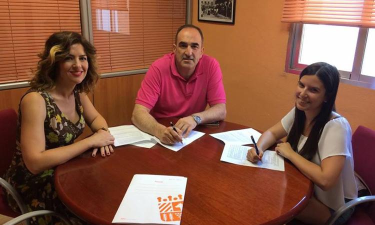 El Ayuntamiento de Algete renueva el convenio con la Asociación de teatro 'En el 32 de Pío Baroja'